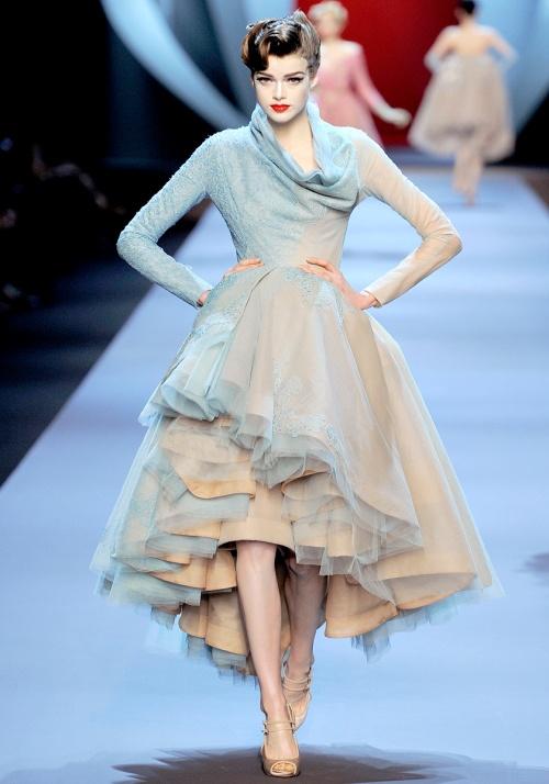 dior-couturespring2011-19_162711700127