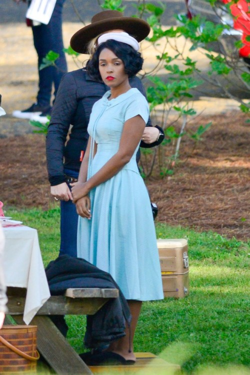 janelle-monae-filming-on-the-set-of-hidden-figures-01-662x993